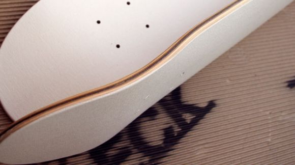 Tabla skate decoración. La única tabla de skate con superficie LIENZO